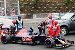Даниил Квят, Scuderia Toro Rosso STR11 сходит с гонки