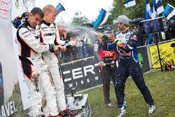 Podio: Ott Tanak, Raigo Molder, DMACK World Rally Team; Andreas Mikkelsen, Anders Jäger, Volkswagen Polo WRC, Volkswagen Motorsport; Hayden Paddon, John Kennard, Hyundai i20 WRC, Hyundai Motorsport