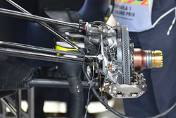 Red Bull Racing RB12 detalle de freno de disco delantero