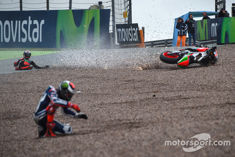 Stefan Bradl, Aprilia Racing Team Gresini y Jorge Lorenzo, Yamaha Factory Racing accidente