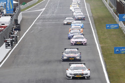 Robert Wickens, Mercedes-AMG Team HWA, Mercedes-AMG C63 DTM leads