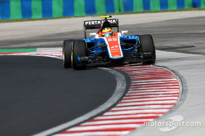 22. Rio Haryanto, Manor Racing MRT05