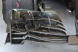 تفاصيل الجناح الأمامي لسيارة جنسن باتون، مكلارين هوندا