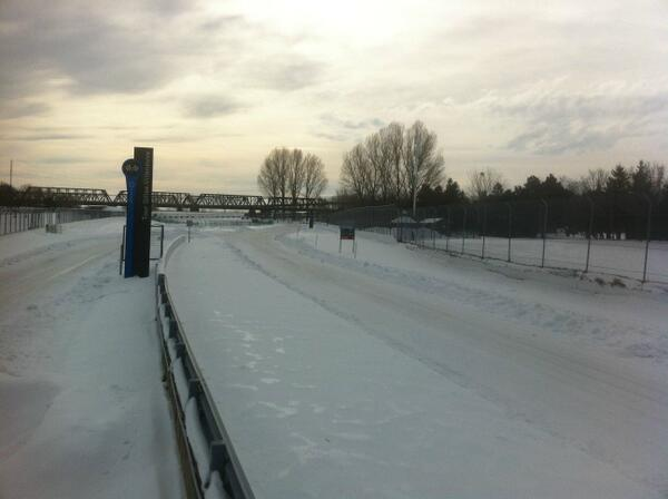 Circuito Gilles Villeneuve nevado. Foto: @sarahbyles