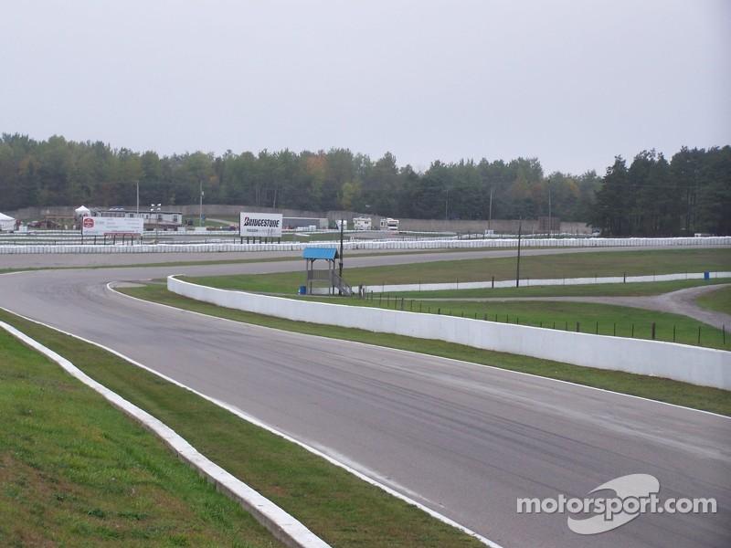 Andretti Straightaway Entering Turn 8