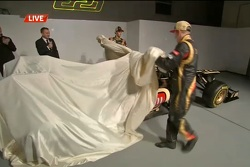 Raikkonen and Grosjean unveil Lotus E21