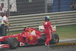 Massa runs out of fuel!