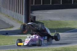 Choque en la Fórmula 4
