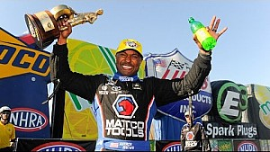 Antron Brown is victorious at the NHRA #4Wide Nationals in Charlotte