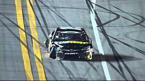 Edwards takes a big hit from Scott at Daytona