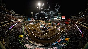 Dirt Shark - Anaheim 2 Supercross 2016