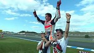 Selebrasi kemenangan Marc Marquez bersama Alex Marquez