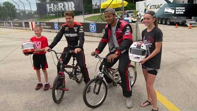El quarterback de los Green Bay Packers, Brett Hundley visita el Road America