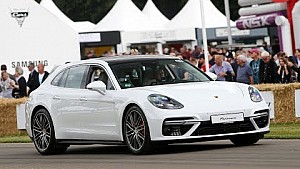 Mark Webber takes on the famous Hillclimb in the Panamera Sport Turismo