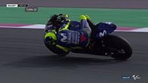 Valentino Rossi kembali ke lintasan setelah terjatuh