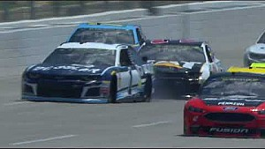McMurray goes airborne in wild practice crash at Talladega